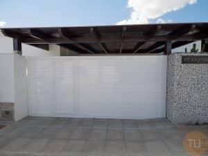 portón aluminio soldado